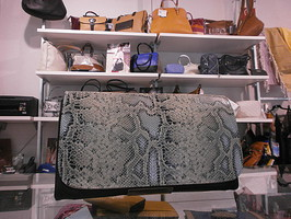 Bolsos Noco en nuestra tienda de Zaragoza Berlogui